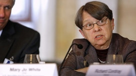 Sen. Warren Urges Obama to Boot SEC Chair Mary Jo White