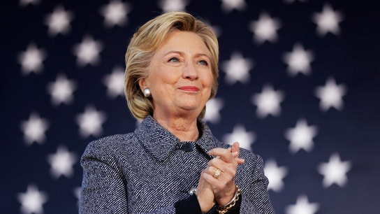 Clinton Heavily Favored to Win Electoral College: Poll