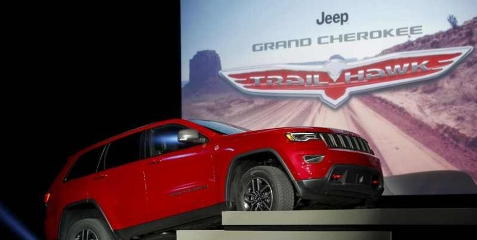 The Jeep Cherokee Trailhawk sports utility vehicle (SUV) is seen during the media preview of the 2016 New York International Auto Show in Manhattan, New York March 23, 2016.   REUTERS/Eduardo Munoz/File Photo