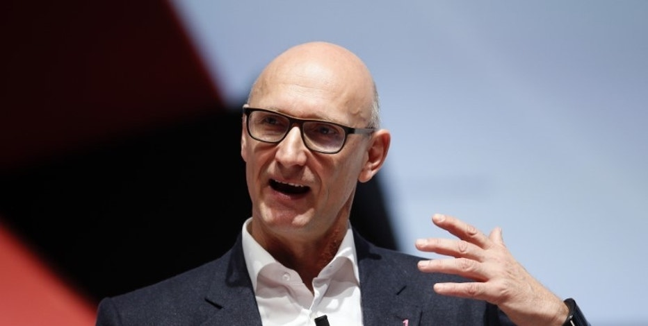 Deutsche Telekom Chief Executive Officer Tim Hoettges delivers a keynote speech during the Mobile World Congress in Barcelona March 2, 2015. REUTERS/Albert Gea
