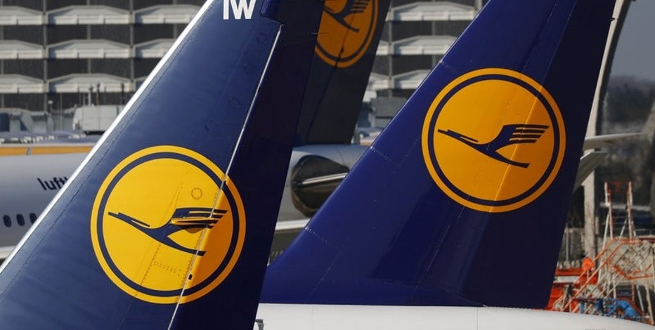 FILE PHOTO - Planes of the Lufthansa airline stand on the tarmac in Frankfurt airport, Germany, March 17, 2016. REUTERS/Kai Pfaffenbach/File Photo