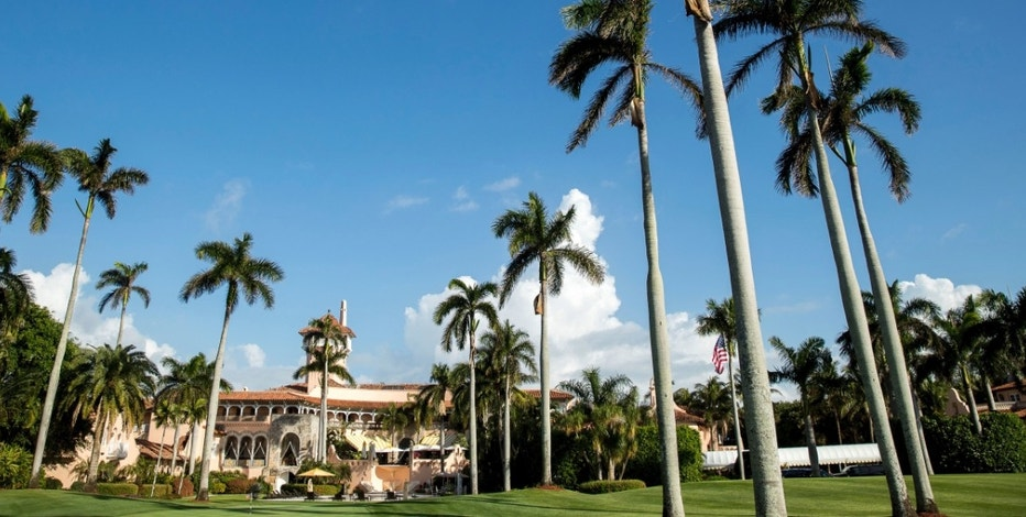 Mar-a-Lago resort, where President-elect Donald Trump is holding meetings, in Palm Beach, Fla., Monday, Dec. 19, 2016. (AP Photo/Andrew Harnik)