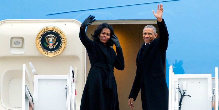 barack and michelle AP