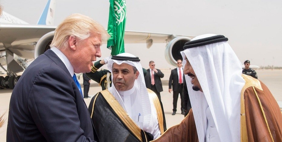 Saudi Arabia's King Salman bin Abdulaziz Al Saud shakes hands with U.S. President Donald Trump during a reception ceremony in Riyadh, Saudi Arabia, May 20, 2017.Bandar Algaloud/Courtesy of Saudi Royal Court/Handout via REUTERS ATTENTION EDITORS - THIS PICTURE WAS PROVIDED BY A THIRD PARTY. FOR EDITORIAL USE ONLY. - RTX36OPK