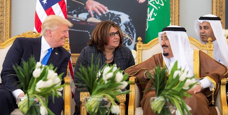 Saudi Arabia's King Salman bin Abdulaziz Al Saud meets with U.S. President Donald Trump during a reception ceremony in Riyadh, Saudi Arabia, May 20, 2017.Bandar Algaloud/Courtesy of Saudi Royal Court/Handout via REUTERS ATTENTION EDITORS - THIS PICTURE WAS PROVIDED BY A THIRD PARTY. FOR EDITORIAL USE ONLY. - RTX36OPC