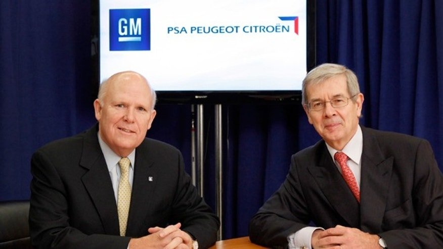 General Motors Chairman and CEO Dan Akerson (left) with PSA Peugeot Citroën Chairman of the Managing Board Philippe Varin.