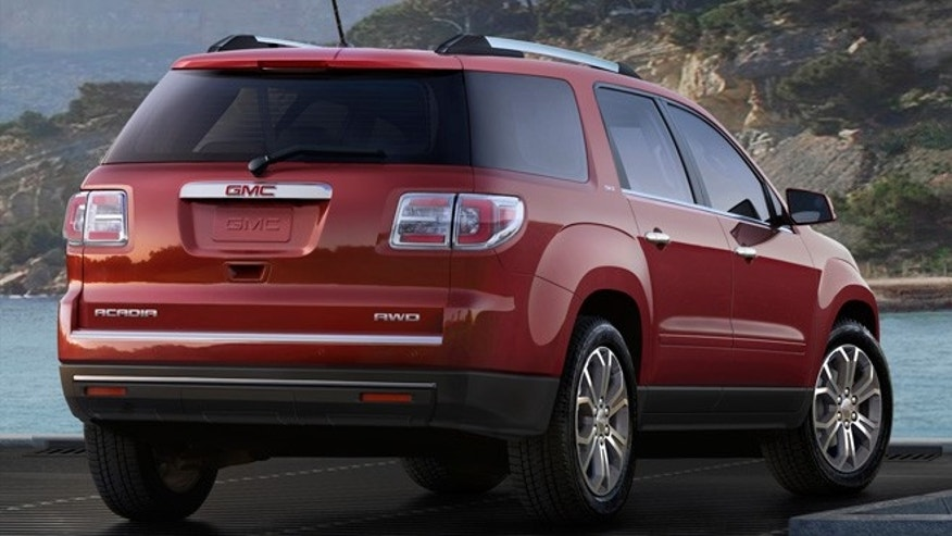 2013 GMC Acadia SLT 3/4 Rear