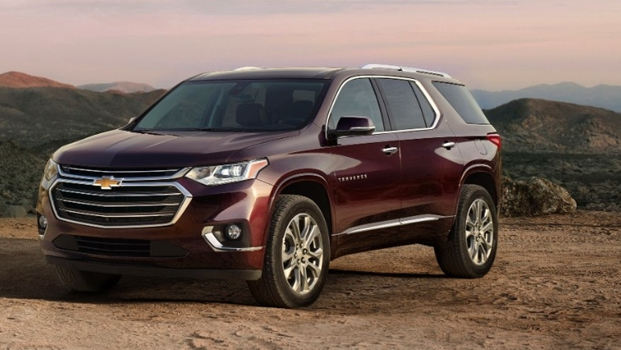 Chevrolet Traverse 3 row crossover gets full redesign, new engines in Detroit