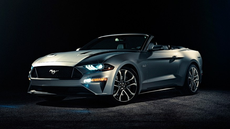 Ford airs the new Mustang Convertible