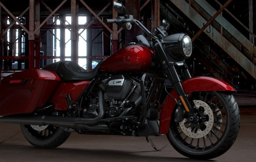 Harley Davidson Road King Special Leaves The Chrome Behind