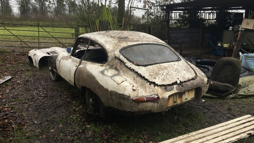 Rusting Jaguar E Type Abandoned For 20 Years Could Sell
