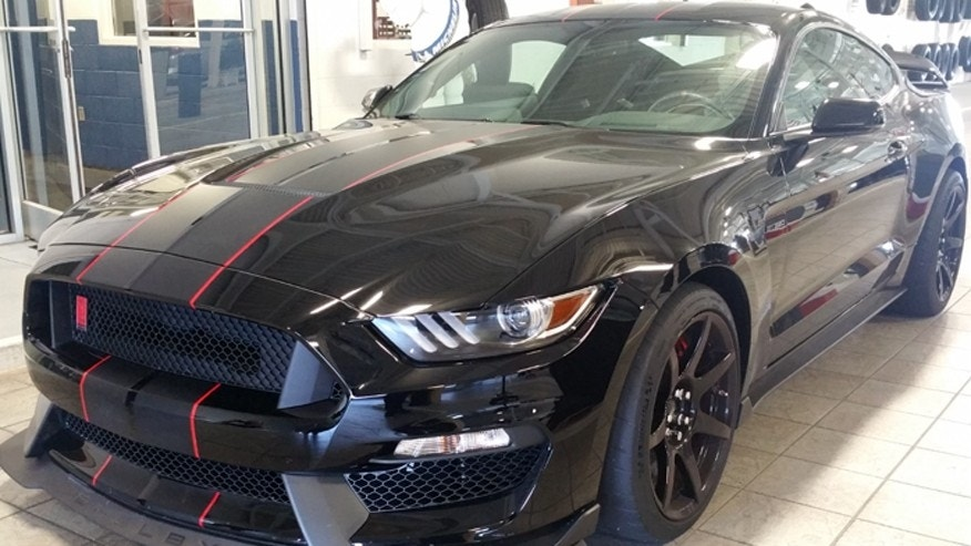Car thieves crash shelby mustang through dealership door - Mustang shelby ...