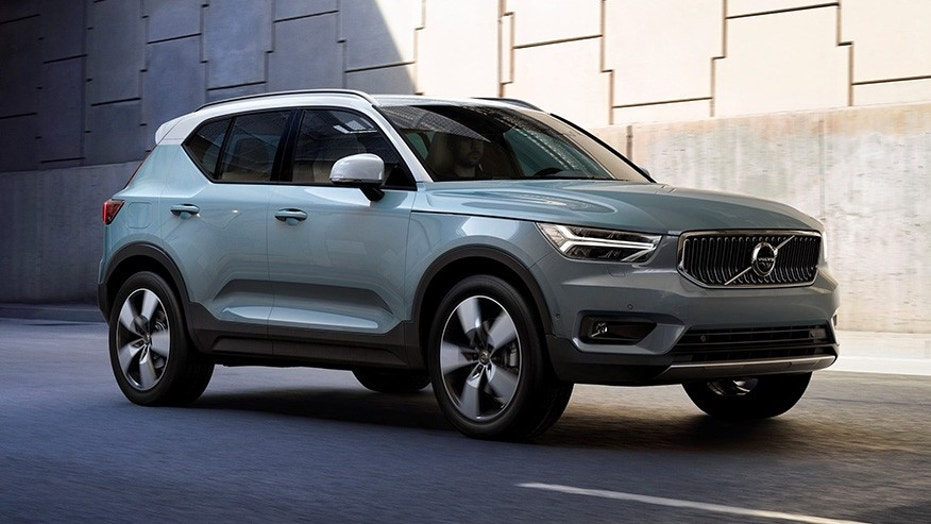 the 2019 volvo xc40 will be available through smartphone. Black Bedroom Furniture Sets. Home Design Ideas