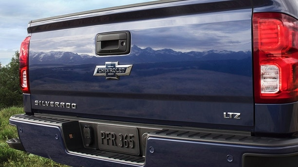 2018 Centennial Edition Silverado and Colorado include front and rear heritage bowties.