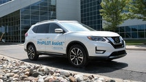 FARMINGTON HILLS, Mich. (July 21, 2017) – Earlier this week, for the first time on public roads in the U.S., Nissan put media behind the wheel to experience its ProPILOT Assist technology, which will be available to customers later this year. ProPILOT Assist reduces the hassle of stop-and-go driving by helping control acceleration, braking and steering during single-lane highway driving.