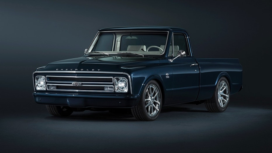 Chevy\'s custom 1967 C/10 pickup is a modernized classic | Fox News