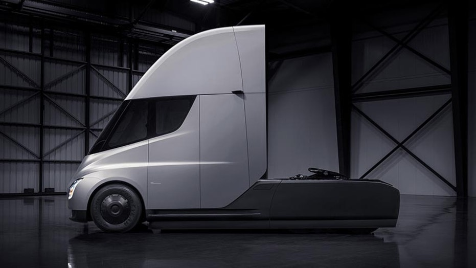 Tesla Battery Cost >> Tesla Semi priced from $150,000 to $200,000 | Fox News