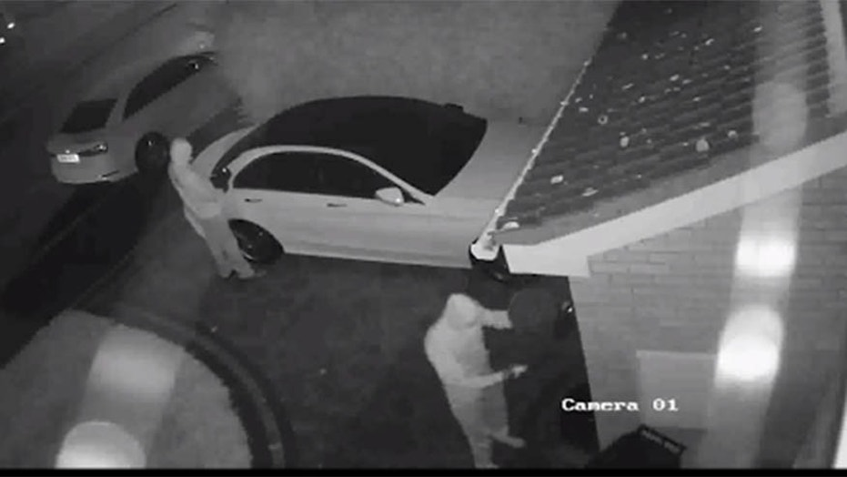 Police video shows thieves grabbing auto without keys in seconds