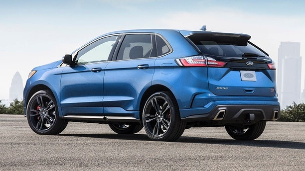 Edge ST features superior handling and braking, ST-tuned sport suspension, Sport Mode, new quick-shifting 8-speed transmission, standard all-wheel-drive, and the most powerful V6 engine in its class.