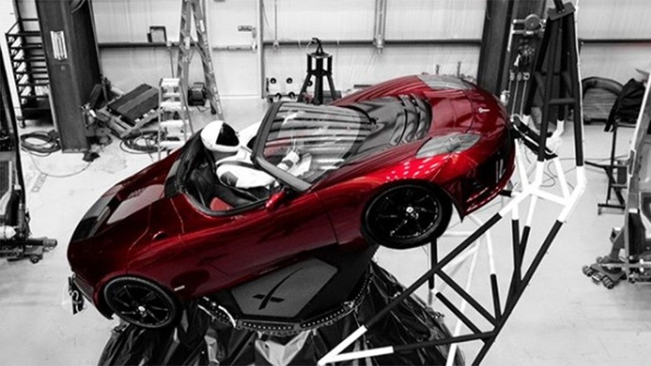 Starman\' set to take a ride into outer space in a Tesla Roadster ...