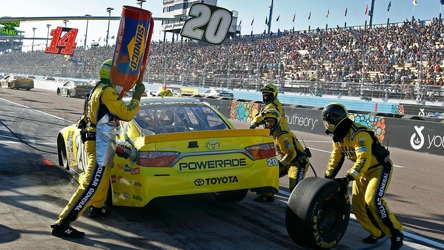 NASCAR changes Damaged Vehicle Policy that ended Matt Kenseth's playoff run last year
