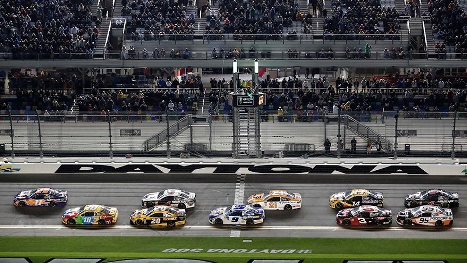 Cars take the green flag at the second of two qualifying races for the Daytona 500 on Feb. 15.