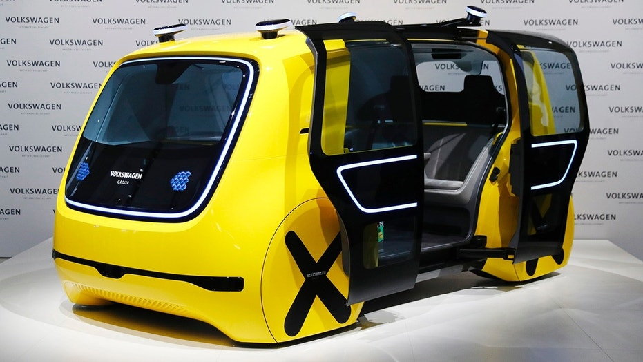 Volkswagen Sedric autonomous yellow bus gets g