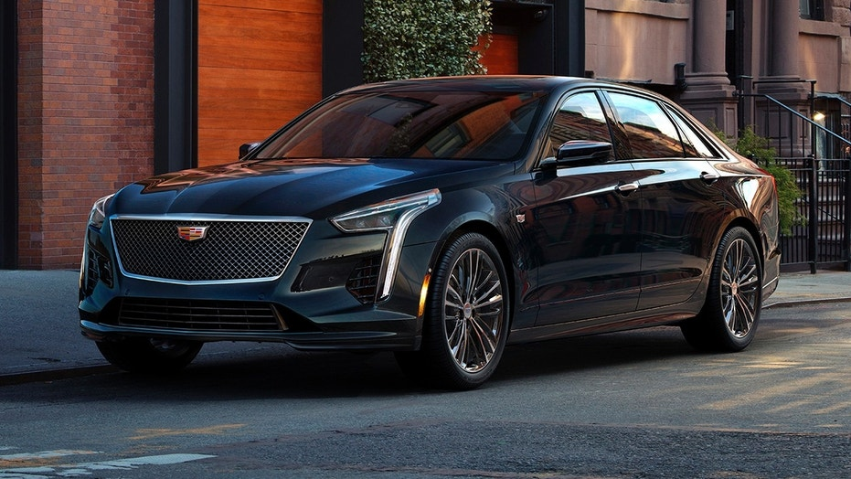 2019 Cadillac CT6 V-Sport revealed with all-new twin-turbo V8 | Fox