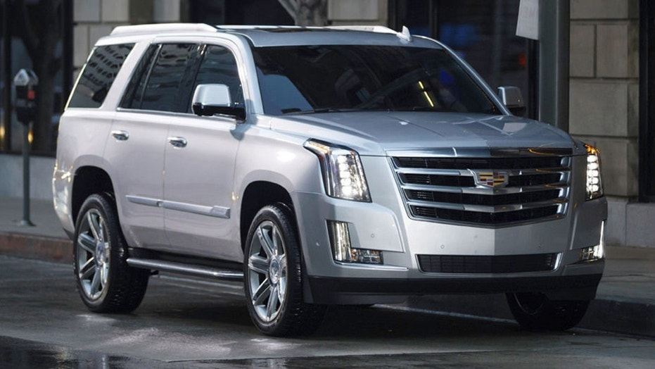 Cadillac Escalade gets $10000 discount to fight the Navigator