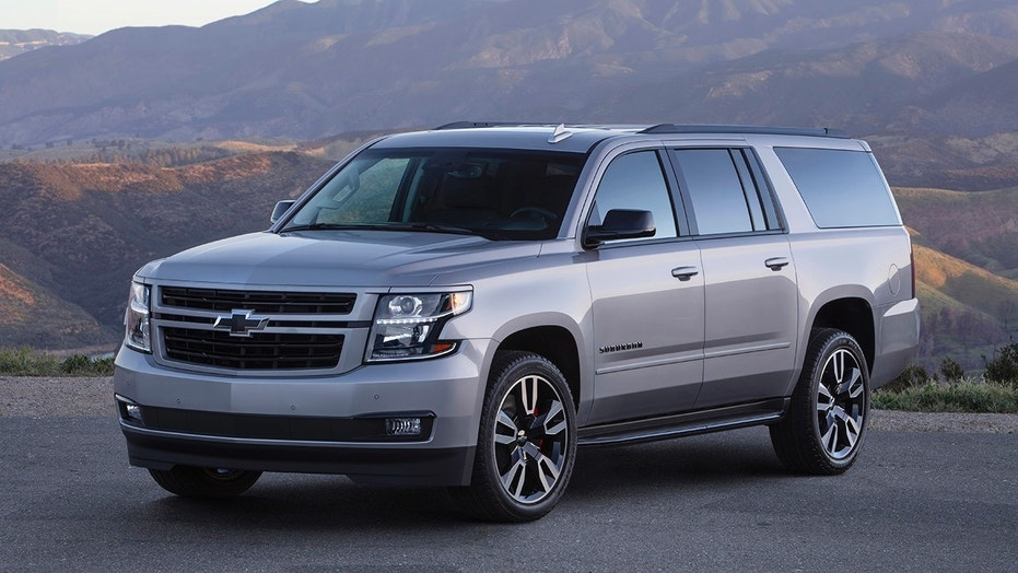 Chevrolet Spices Up 2019 Suburban With New RST 420HP V8 Performance Package