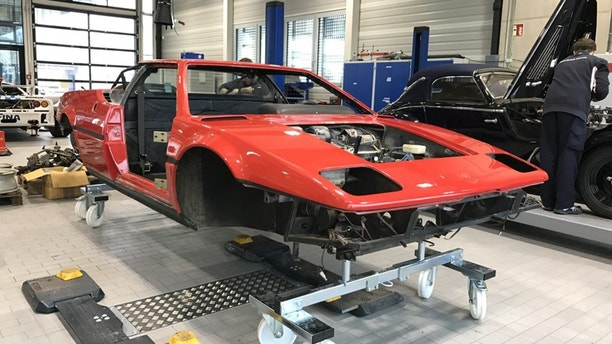 1981 BMW M1 Restoration Process