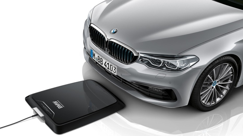 bmw first on the market with wireless charger for cars. Black Bedroom Furniture Sets. Home Design Ideas