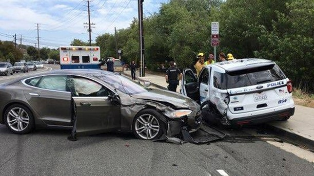 tesla crash 1 ap