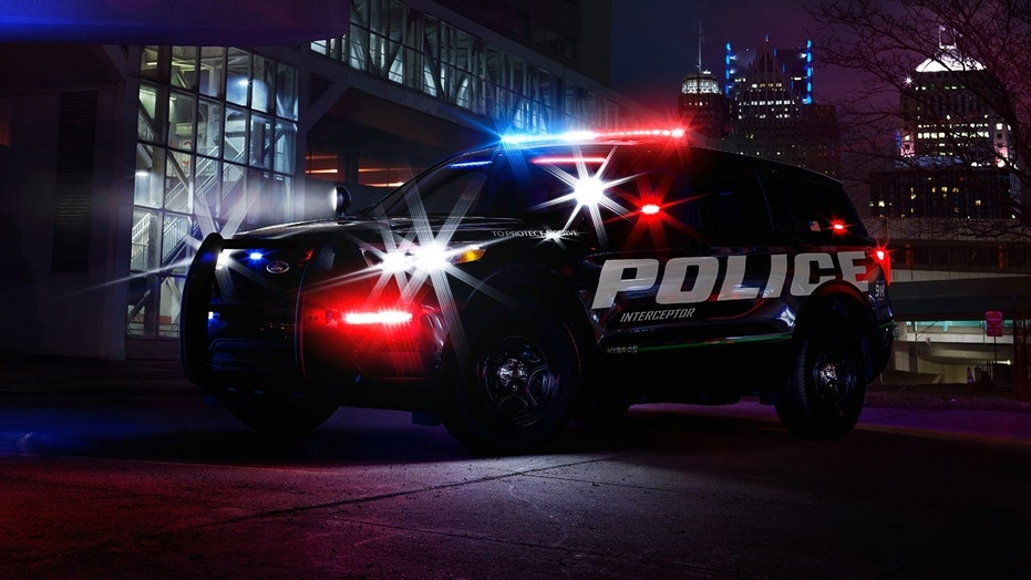 New 2020 Ford Explorer hybrid SUV teased first as a cop ...