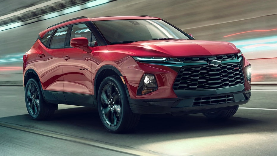 Chevrolet Blazer Gets Detailed on Camera