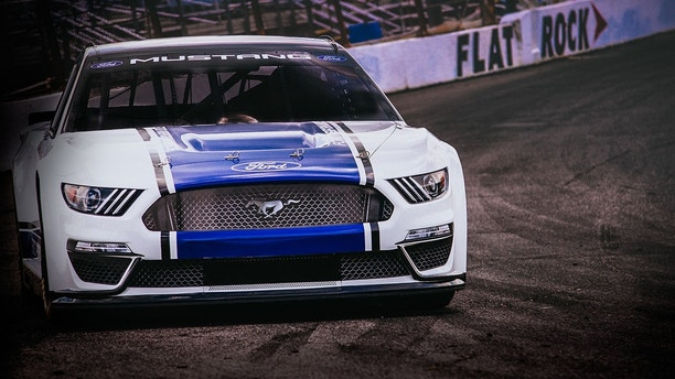 Ford unveils 2019 NASCAR Mustang