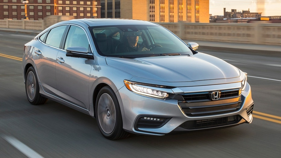 The 2019 honda insight is a strangely normal hybrid fox news for Fox honda used cars