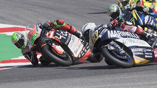 MISANO ADRIATICO, ITALY - SEPTEMBER 09:  Stefano Manzi of Italy and Forward Racing Team   and Romano Fenati of Italy and Marinelli Snipers Team (R) rounds the bend during the Moto2 race during the MotoGP of San Marino - Race at Misano World Circuit on September 9, 2018 in Misano Adriatico, Italy.  (Photo by Mirco Lazzari gp/Getty Images)