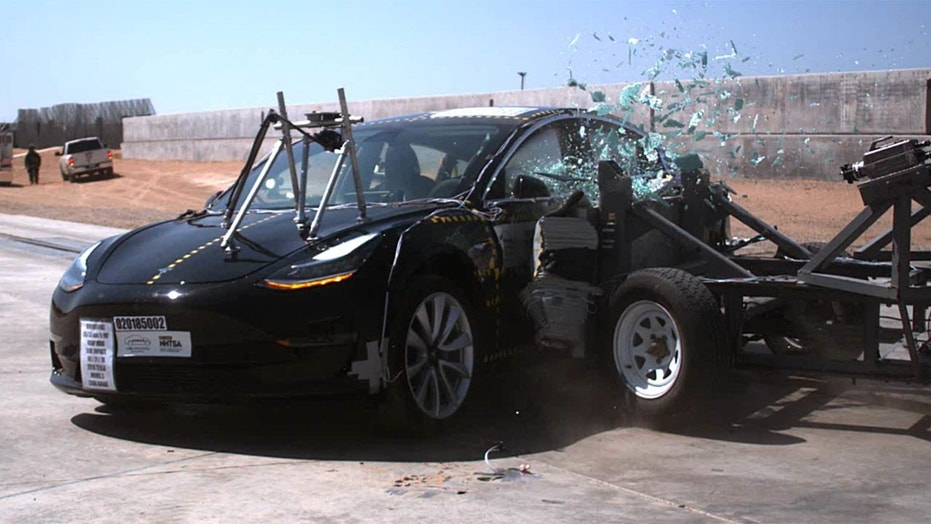 NHTSA gives 2018 Tesla Model 3 ideal marks for crash safety