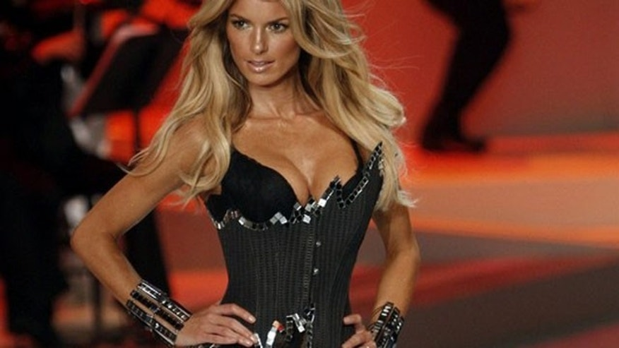 Marisa Miller works the catwalk in 2008.