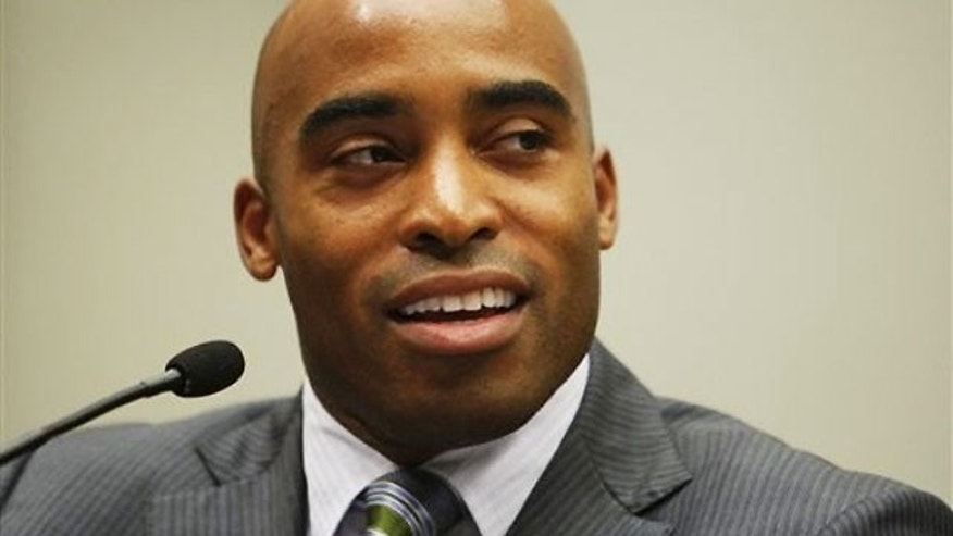 Barber Tiki : Broke Tiki Barber Cant Afford Divorce Settlement After Alleged ...