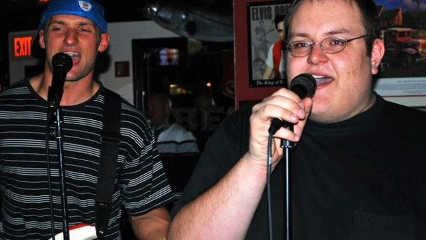 'Numa Numa Guy' Gary Brolsma (right) and his guitarist. (Gary Brolsma)