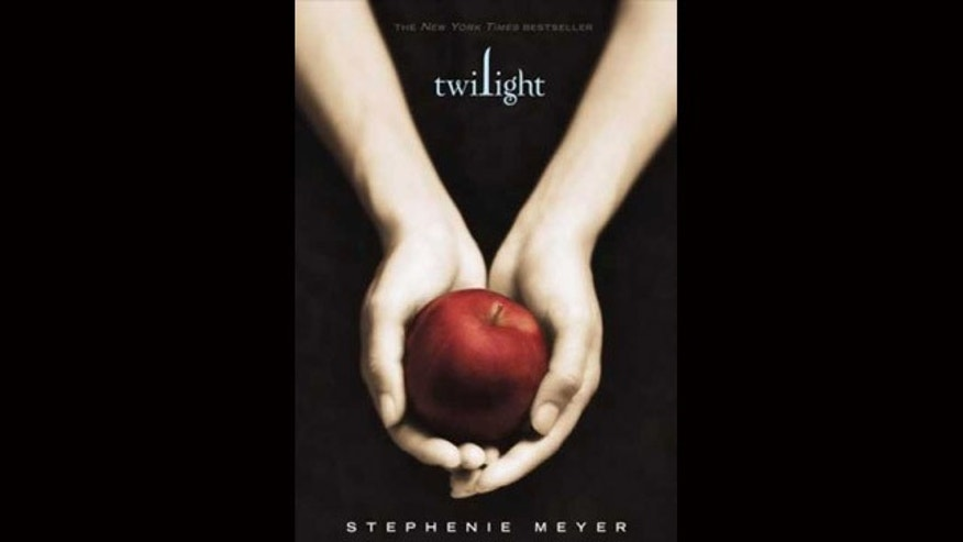 Kimbra Hickey's slender hands are the ones shown on the now-famous cover of the original book in the 'Twilight' series.