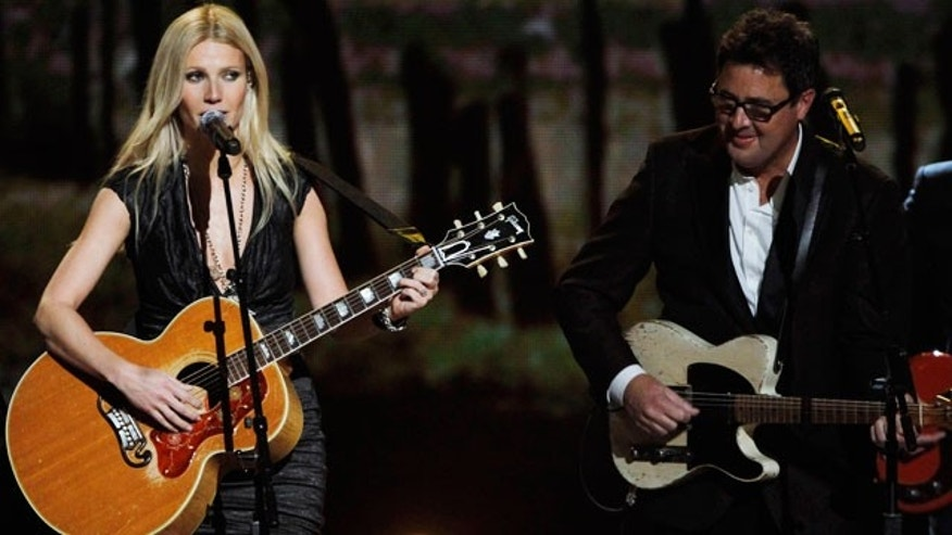Nov. 10: Gwyneth Paltrow and Vince Gill perform at the CMA Awards.