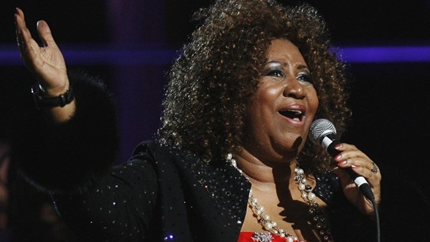 Aretha Franklin performs during a Rock & Roll Hall of Fame concert in New York on Oct. 20, 2009. (Reuters)