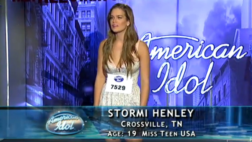 Beauty queen Stormi Henley on 'American Idol.' (Fox)
