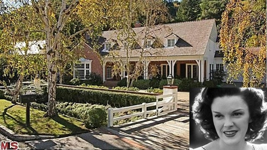 The exterior of the former home of actress Judy Garland, which is up for sale in Bel Air. (Zillow.com)