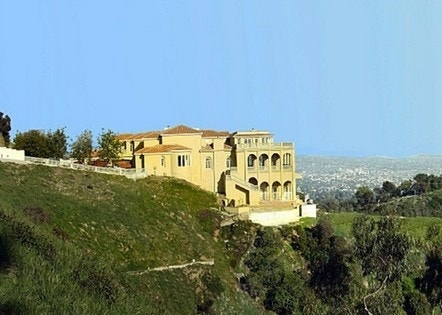 Hollywood hills mansion haunted cursed definitely for for Hollywood home for sale