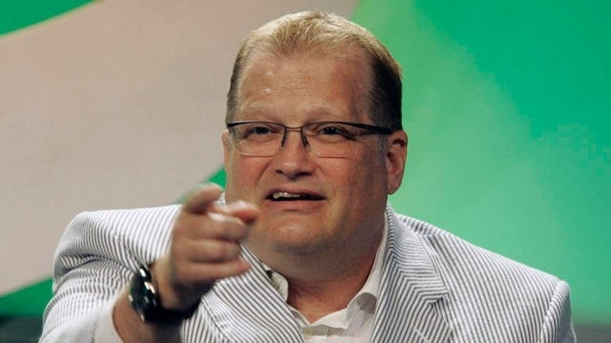 Drew Carey in 2007, before his massive weight loss.  (AP Photo)