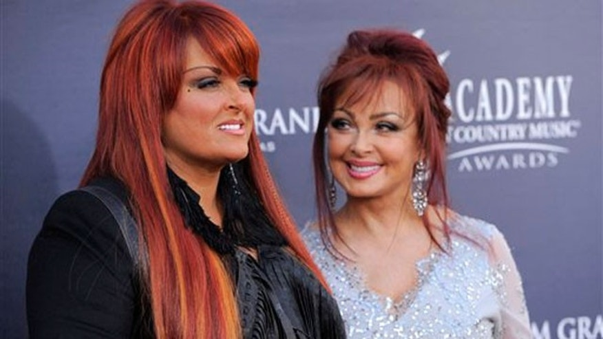Wynonna and Naomi Judd (Reuters)